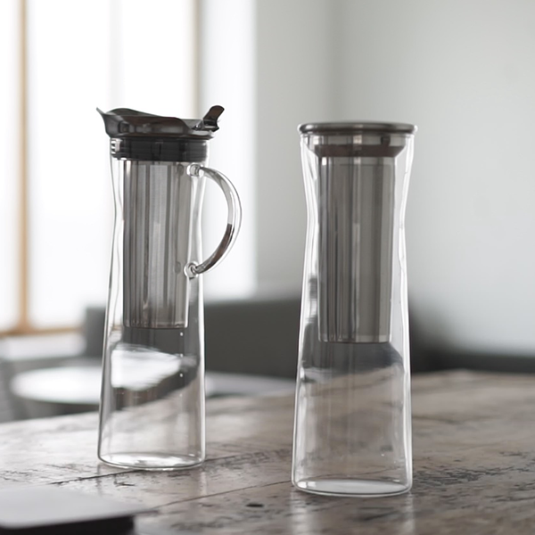 Simple materials and design compliment any interior décor. SPECIFICATIONS. Cold-Brew Coffee Jug